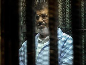 Mursi'nin kızından şok iddia!