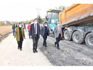 Büyükşehir, Aktoprak ile Erikli arasında sıcak asfalt çalışması başlattı