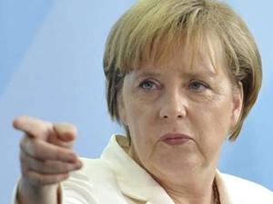 Merkel'den Rusya'ya yaptırım tehdidi