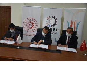 Sanayi ve Teknoloji Bakanlığından Bitlis'teki tandır ve çömlekçilere destek