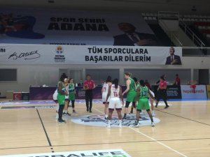 İzmit Belediyespor, Euroleague öncesi Adana'da moral buldu