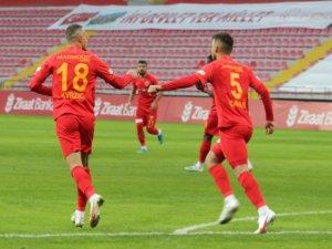 Zoran 2 gol kaydetti