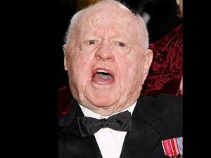 Hollywood'un efsanevi isimlerinden Rooney öldü