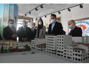 Bakan Kurum, 'Saathane Meydanı Projesi'ni inceledi