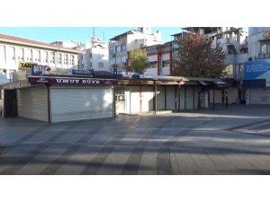 """Gaziantep'in en kalabalık yerlerinde """"kısıtlama"""" sessizliği"""