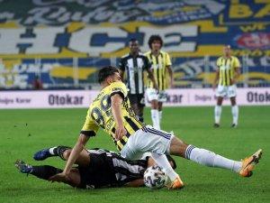 Beşiktaş 15 yıl sonra Kadıköy'de aynı skorla galip