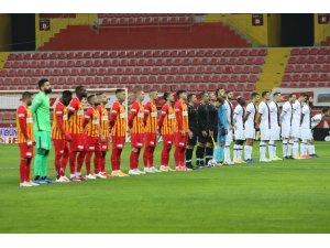 Süper Lig: Kayserispor: 0 - Karagümrük: 0 (Maç devam ediyor)