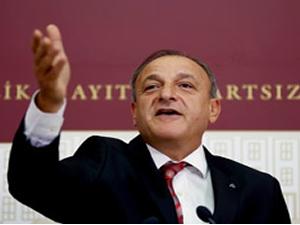 Oktay Vural, Meclis Başkanı Cemil Çiçek'i mahkemeye verdi
