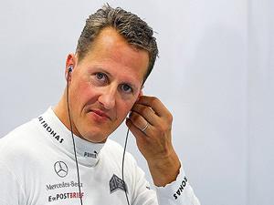 Michael Schumacher dokunulduğunda tepki verebiliyor