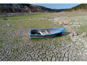 Sazlıdere Barajı'nda korkutan görüntü, su seviyesi yüzde 5'e düştü