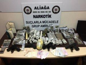 Menemen'de emniyet ve jandarmadan ortak uyuşturucu operasyonu: 2 gözaltı