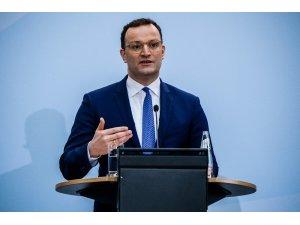 """Almanya Sağlık Bakanı Spahn: """"Önümüzdeki yılın ortasına kadar aşılar yapılmış olur"""""""