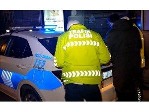 Silahlı, alkollü ve ehliyetsiz sürücü bekçilerden kaçamadı