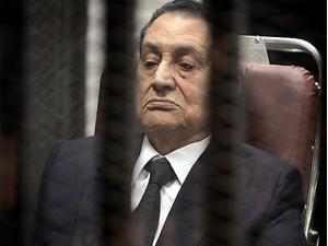 Mübarek'in davası yine ertelendi