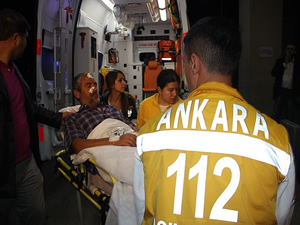 Mogadişu'da yaralanan 3 Türk yurda getirildi