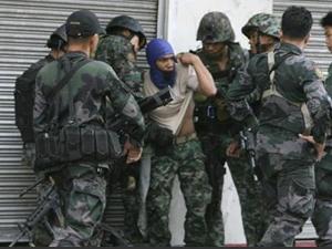 Filipinler'de militanlar ile güvenlik güçleri arasında çatışma