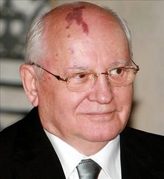 Mihail Gorbaçove büyük şok !