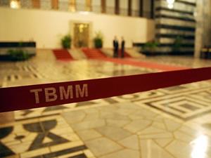 TBMM Başkanı Çiçek'ten bakanlıklara kulis kullanımı uyarısı