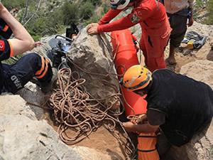 Mağarada 66 saatlik yaşam mücadelesi