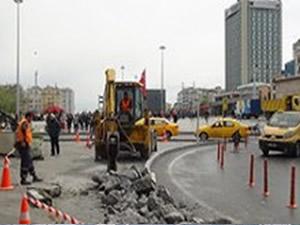 1 Mayıs'a sayılı günler kala Taksim'de inşaat!