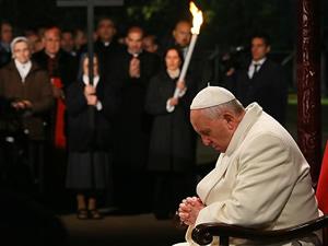"Papa Franciscus ""Haç Yolu"" ayinini yönetti"