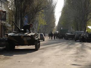 Slavyansk'da 3 siyasi partiye yasak