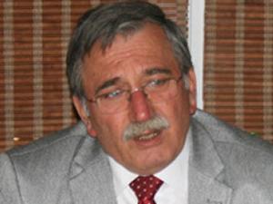 Hanefi Bostan: Müdür tayinlerinde hakkaniyet gözetilmiyor!