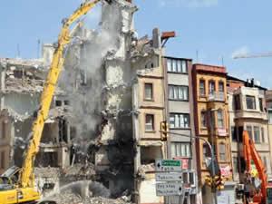 Beyoğlu İlçe Emniyet Müdürlüğü yıkılıyor