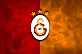 Galatasaray'ın efsane kalecisi  futbolu bıraktı