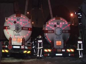 Sultanbeyli'de yakıt tankeri patladı!