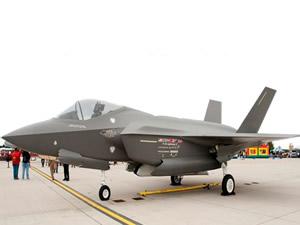 Dünya F-35 müşterek taaruz uçağı için sırada