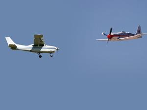 ABD'de iki küçük uçak havada çarpıştı