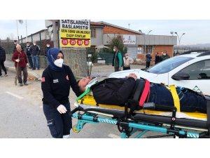 Arızaya giden SEDAŞ ekibi ile ticari taksi çarpıştı: 5 yaralı