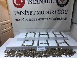 Beyoğlu'nda metruk eve uyuşturucu operasyonu