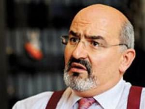 Önder Aytaç'a Başbakan'a hakaretten hapis cezası geldi!