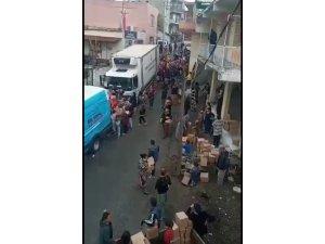 İzmir Büyükşehir Belediyesi'nden erzak dağıtımında oluşan izdiham görüntülerine dair açıklama