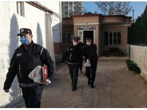 Osmaniye'de yasa dışı yollarla yurda giren 13 kişi sınır dışı edildi