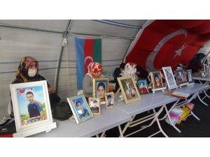 """Evlat nöbetindeki ailelerden HDP'li vekillere çağrı: """"Çocuklarımızı PKK'dan istesinler, PKK'yı kınasınlar"""""""