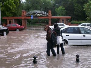 Yağmur Çanakkale'yi esir aldı!