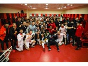 Samsunspor'da futbolculara verilen 30'ar bin TL'lik ceza affedildi