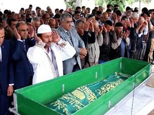 Gizem'in cenazesi gözyaşları arasında toprağa verildi