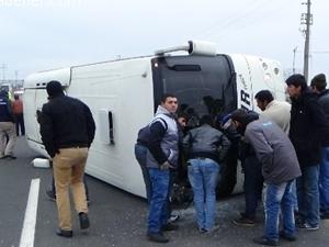 Kayseri'de işçileri taşıyan otobüs devrildi!