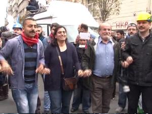 HDP'den halaylı 1 Mayıs kutlaması