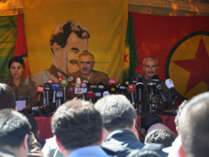 Kadıköy'de PKK bayrağı gerginliği