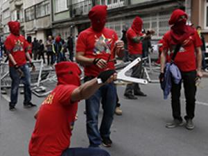 1 Mayıs'ta New Balance ayakkabılı işçi!