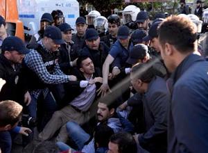 İstanbul'da 1 Mayıs olayları: 142 gözaltı, 90 yaralı