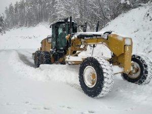 Karabük'te 98 köy yolu ulaşıma kapandı, çalışmalar sürüyor