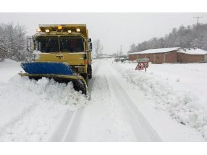 Bilecik'te 244 köy yolunda karla mücadele