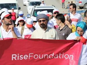 Şivan Perwer Suriyeliler için yürüdü