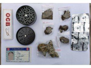 Yol kontrolünde uyuşturucu yakalandı